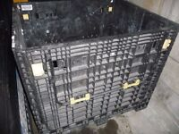 COLLAPSIBLE DURABLE PALLET see details