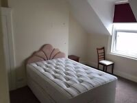 SB Lets are delighted to offer a double room in a 4 bedroom flat share in the Centre of Hove
