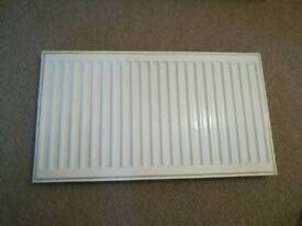 2 x Single radiators for sale 800 x 450 & 1000 x 450 with wall brackets £20 each or £30 for the pair
