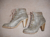 NEW LOOK boots , size 6