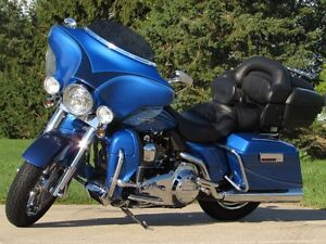 2007 harley-davidson FLHTCUSE4 CVO Ultra Classic Electra Glide   London Ontario image 1