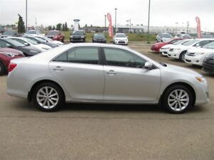 2014 TOYOTA CAMRY XLE FULLY LOADED LUXURY CAMRY PRICED TO SELL