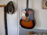 ACOUSTIC GUITAR FULL SIZE.