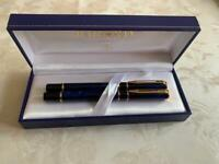 Waterman blue marble fountain and roller ball pen set