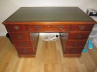 Attractive Victorian antique Mahogany twin pedestal home office desk