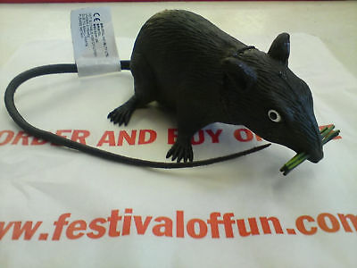 Joke Fake Rubber Rat~Small realistic rat~40cm~Squeaky Joke Toy~Scare you - Child Friendly Halloween Games