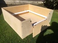 DOG WELPING BOX