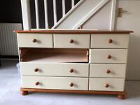 Bedroom chest of draws (small ones sold separate)