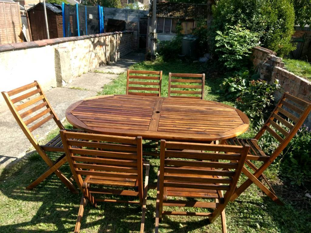Wood garden table and chairs grimsby