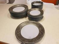 Beautiful dinner plate set