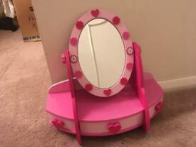 Children's dressing table mirror with draws