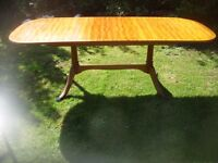 EXTENDING MAHOGANY EDWARDIAN CLAW FOOT DINING TABLE
