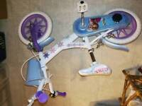 girls frozen bike with stablisers