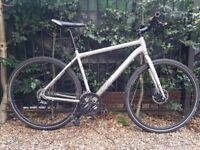 Voodoo Agwa Hybrid bike - Disc 27 Speed Large 20 inches - Serviced