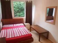 Spacious Double Room available in Putney Roehampton for £150 pw (all bills included)