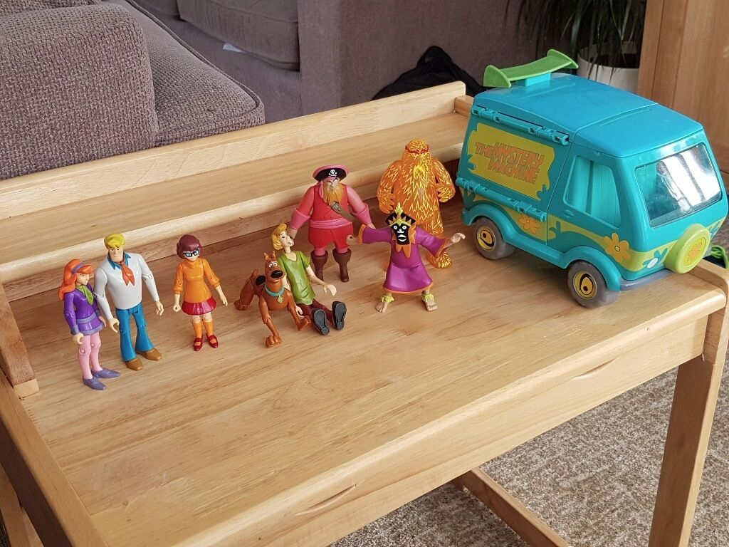 Scooby Doo Bedroom Accessories Scooby Doo The Mystery Machine Van And Characters In Truro