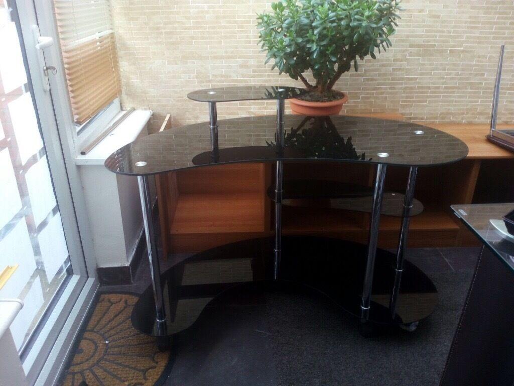 Black curved computer table /Desk | in Preston, Lancashire | Gumtree