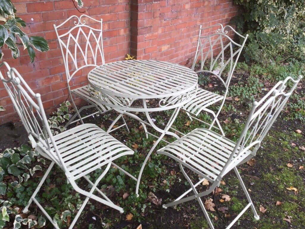 Superb, Wrought Iron Table & Chairs, New & Boxed, Great Quality.