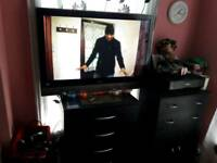 42 inch Hitachi tv