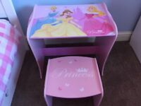 Disney Princess table and chair set. Beautiful condition.