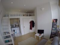 Fully Furnished - Self Contained - Mezzanine Studio - Moments From Earls Court Station