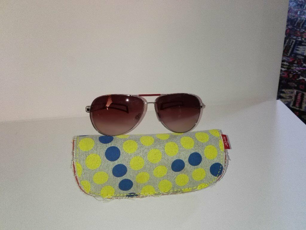 Levi Original Aviator sunglasses