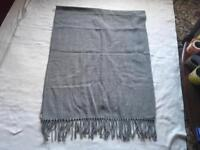 Light wool ladies scarf grey used £2