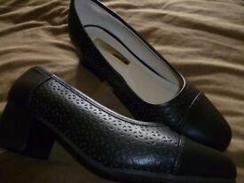 Comfort Plus wide fit black ladies shoe size 5