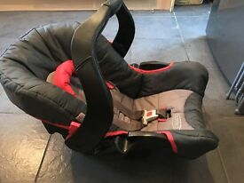 Graco newborn car seat in excellent condition