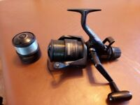 SHIMANO G.T.4OOO XT-7 BAITRUNER WITH SPARE SPOOL