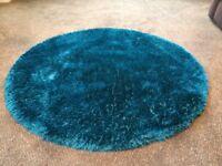 Circular rug teal colour excellent condition