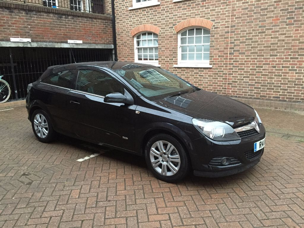 Vauxhall Astra 2008 58 Reg 1 6 Automatic 3 Door Black With Black Leather Done Only 82k Look