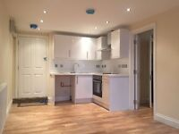 1 bed flat to rent in upper Richmond Road West, London SW14