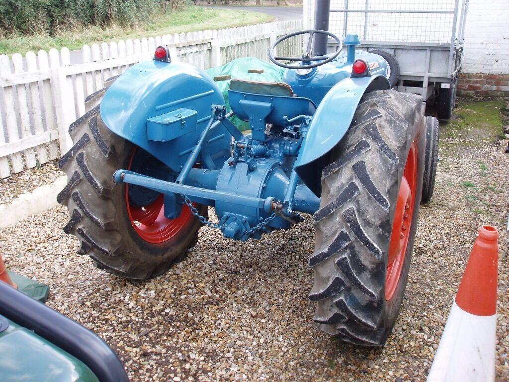 1961 Fordson Dexta Tractor : Fordson dexta tractor cylinder diesel with v in