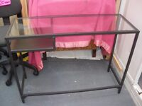 BLACK METAL/GLASS SIDE TABLE