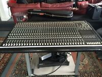 Mackie 32 channel mixing desk FOR SALE!!!