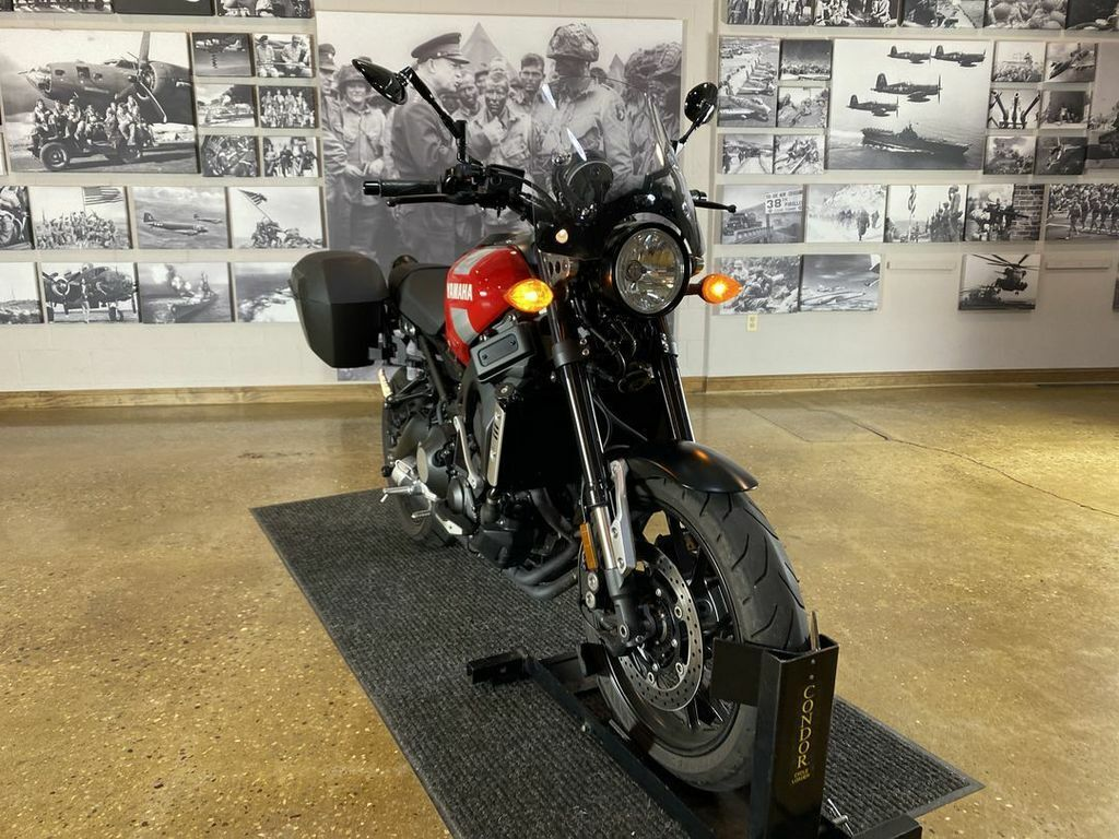 Picture of A 2018 Yamaha 900