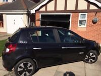 Renault clio 1.2 expression 5dr 61-reg 28,000 miles Full renault service history