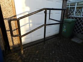 EXTERNAL SAFETY HANDRAIL- SUIT DISABLED STEPS