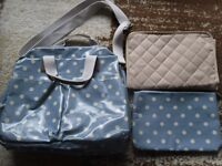 Changing bag with a toilet bag and changing mat