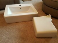 Sink and semi-pedestal. Perfect condition. Never used or fitted