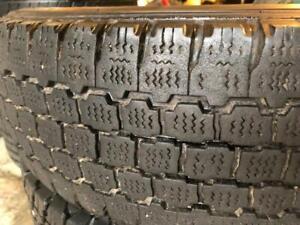 1 pneu LT 225/75/16 bridgestone blizzak 9-10/32
