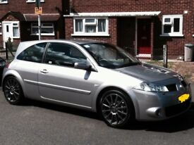 RENAULT MEGANE 225 SPORTS 2.OT TROPHY #0352 EXPECIAL EDITION LOW MILAGE IN VERY GOOD CONDITION !