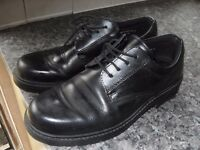 MENS FORMAL BLACK SHOES SIZE 10 IN VERY GOOD CONDITION £5 !