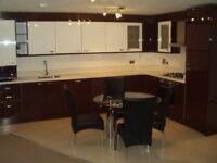 HUGE modern 3 bedroom flat with 2 bathrooms and off street parking in Harrow