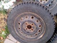 175 70 R13 Firestone / Winterforce set of tires