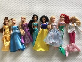 Disney Princess dolls with outfits