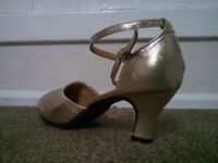 2 pairs ladies dance shoes size 7 (41) never worn for £20