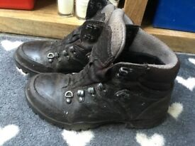 1f3c3d710f5 Altberg Tethera Walking Boots Size 9.5 W | in York, North Yorkshire ...