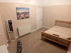 Large Double Room Close to Uni, Furnished + All Bills Inc + TV